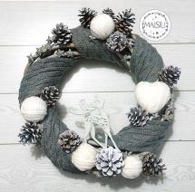 Ghirlanda natalizia pigne e lana